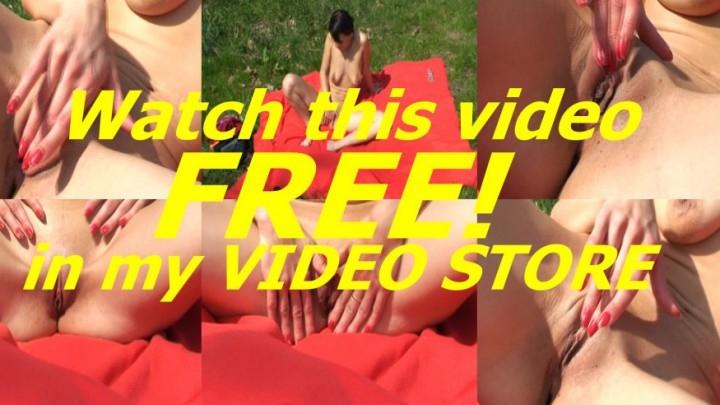 [SD] avbabes adi caught masturbating outdoors - AVBabes - Amateur   Close-ups, Solo Masturbation, Public Outdoor - 42 MB