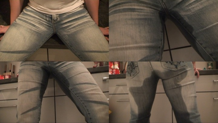 [LQ] avbabes shy girl pisses into her jeans - AVBabes - Amateur | Pee, 18 & 19 Yrs Old - 25,6 MB