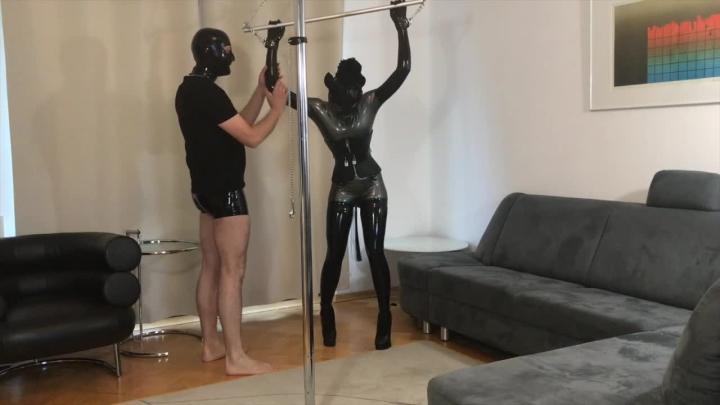 1 $ Tariff [HD] bupshi latex pony girl training - Bupshi - Amateur | Submissive Sluts, Latex, Bondage - 1,1 GB