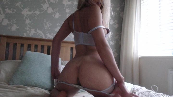[Full HD] candece sensual tease and fingering - Candece - Amateur | Fingering, Strip Tease, Blonde - 1,3 GB