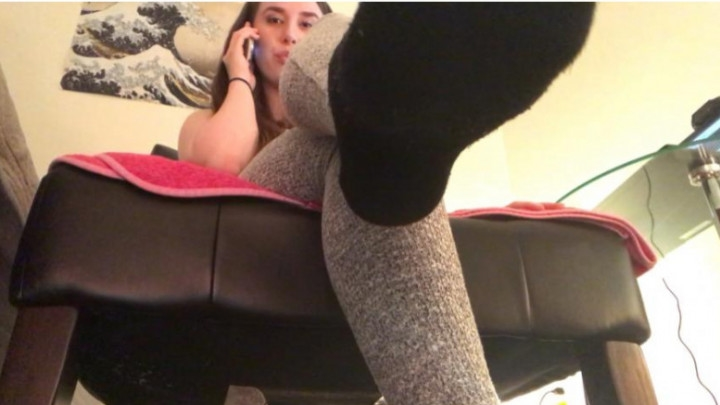 [Full HD] junglefever69x ignoring you while you worship my feet - JungleFever69X - Amateur | Foot Fetish, Socks - 894,4 MB