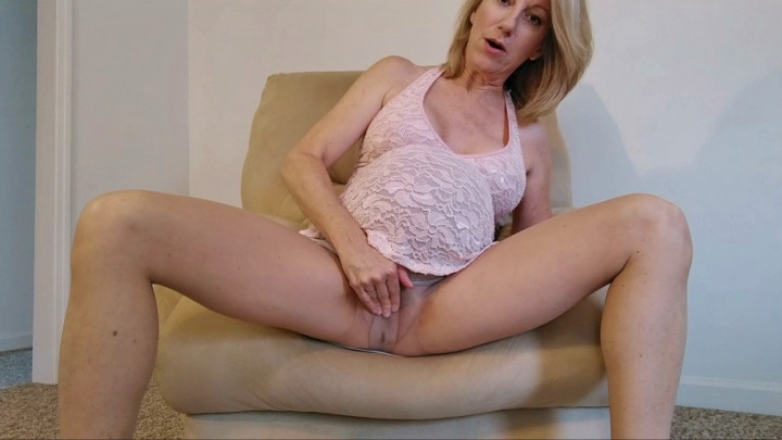 [HD] morina your pregnant mommy masturbates for you - MoRina - Amateur | Masturbation, Pregnant - 457,9 MB