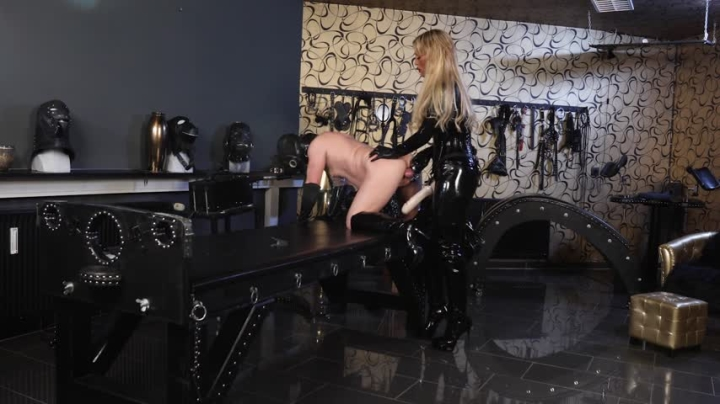 [Full HD] caleatoxic anal and strap on session in dungeon - CaleaToxic - Amateur | Anal, Nipple Play - 3,2 GB