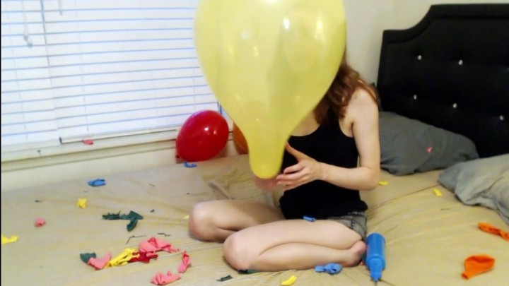 [HD] charlottehazey popping all my leftover balloons - charlottehazey - Amateur   Balloons B2p, Balloons - 512,3 MB