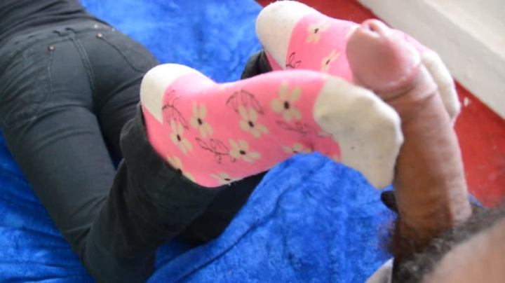 [Full HD] kinky socks sockjob from ex gf huge cumshot joi - Kinky Socks - Amateur | Sockjobs, Foot Fetish - 2,1 GB