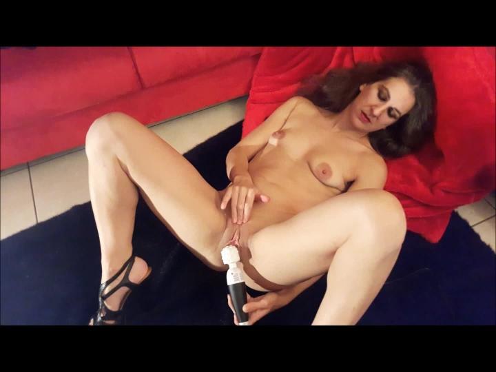 [Full HD] lovelyliesje fairy wand my new fav toy - lovelyliesje - Amateur | Orgasms, Toys, Solo Masturbation - 867,3 MB
