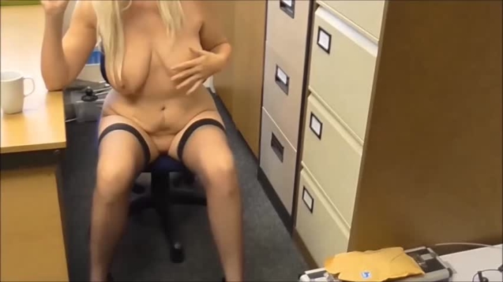 [HD] mature barbyslut barby saves the day pt2 - mature barbyslut - Amateur | Anal Play, Fucking Machines - 89 MB