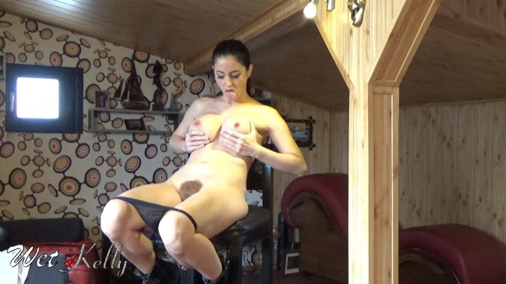 [Full HD] wet kelly hairy lara croft masturbation - Wet Kelly - Amateur | Cosplay, Hairy Bush - 476,9 MB