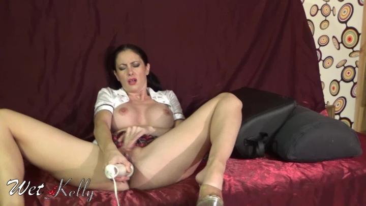 [Full HD] wet kelly hitachi inside my pussy - Wet Kelly - Amateur | Hitachi, Big Toys, Masturbation - 667,5 MB
