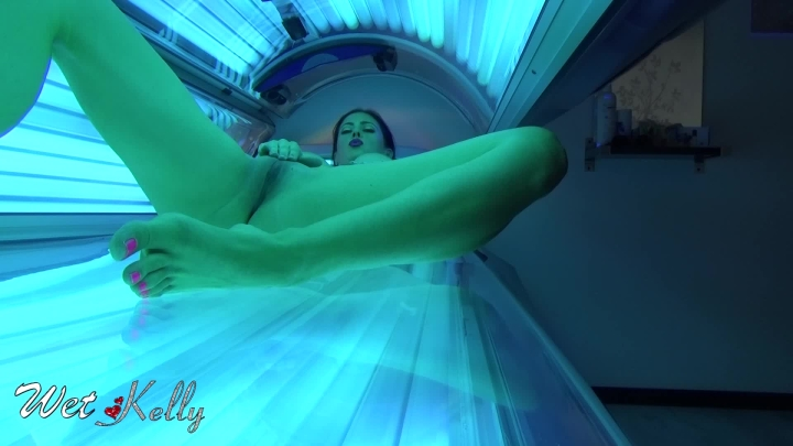 [Full HD] wet kelly masturbate in solarium - Wet Kelly - Amateur | Big Boobs, Big Pussies - 556,6 MB