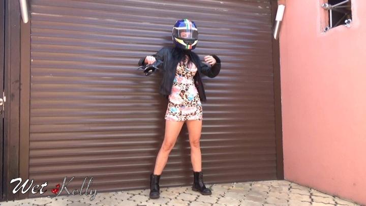[Full HD] wet kelly sexy biker girl - Wet Kelly - Amateur | Hair, Photo Shoot - 158,4 MB