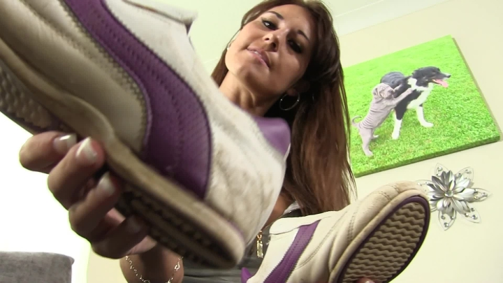 [Full HD] whores are us clean my sneakers - whores are us - Amateur | Domination, Humiliation - 558 MB