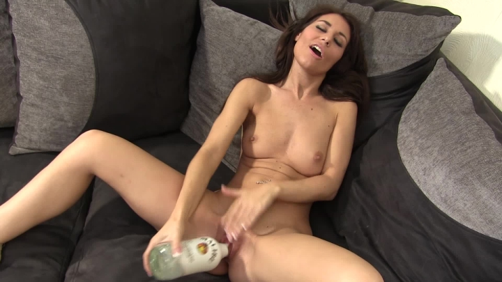 [Full HD] whores are us the game - whores are us - Amateur   Strip Tease, Odd Insertions, Dirty Talking - 1,1 GB
