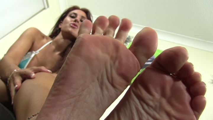 [Full HD] whores are us wank over my feet - whores are us - Amateur | Feet Joi, Feet - 581,6 MB