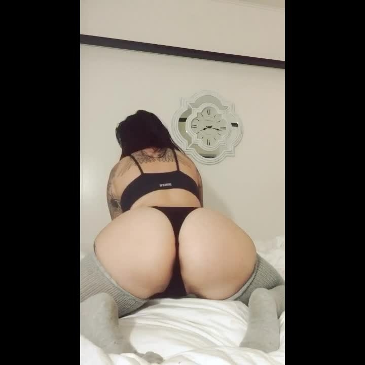 [HD] saffron slow motion booty - Saffron - Amateur | Booty Clapping, Booty Poppin, Booty Shaking - 18,4 MB
