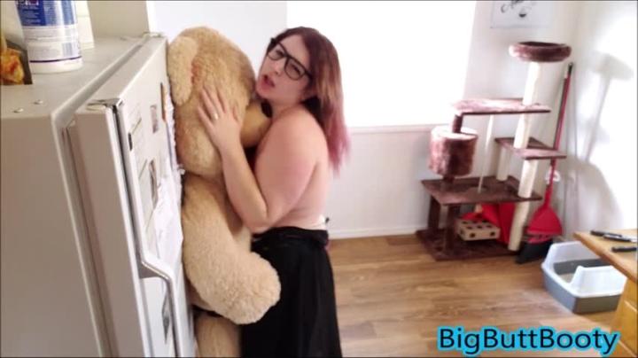[Full HD] bigbuttbooty nerdy girl fucks teddy bear part 2 - BigButtBooty - Amateur | Role Play, Nerdy Girls, Dildo Fucking - 1,5 GB