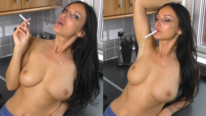[Full HD] cassieclarke topless relaxed smoking in the kitchen - CassieClarke - Amateur | Pov, Big Boobs - 564,2 MB