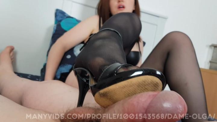 [Full HD] dame olga pov hot shoejob in high heel sandals - Dame Olga - Amateur | Pantyhose Footjobs, Footjobs, Shoejob - 708,9 MB