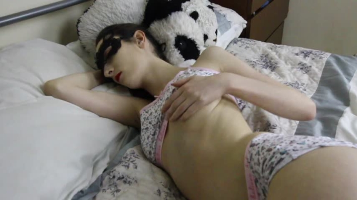 [HD] gail bates playtime before bedtime - Gail Bates - Amateur | Petite, Orgasms, Solo Masturbation - 686,6 MB