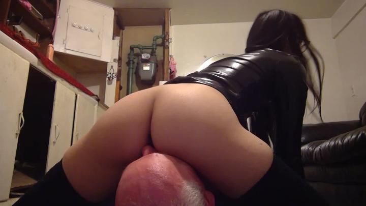 [SD] liz lovejoy facesitting sub ass worship femdom - Liz Lovejoy - Amateur | Face Sitting, Ass Smothering, Ass Worship - 86,9 MB