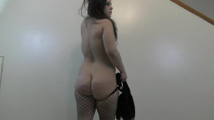[Full HD] lovelyliv twerking striptease and rough facefuck - lovelyliv - Amateur - 00:04:09 | Face Fucking, Twerk, Big Butts - 292,3 MB