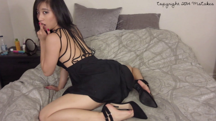 [Full HD] mscakes seducing you in my little black dress - MsCakes - Amateur | Upskirt, Asian - 442 MB