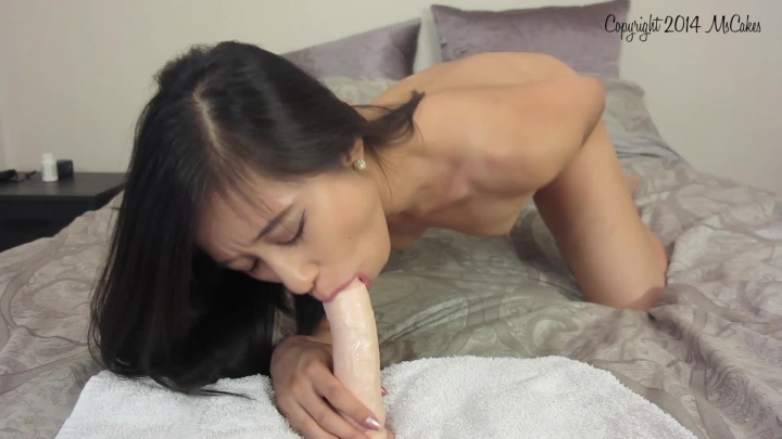[Full HD] mscakes sloppy dildo bj and deepthroat practice - MsCakes - Amateur | Blowjob, Asian, Dirty Talking - 428,2 MB