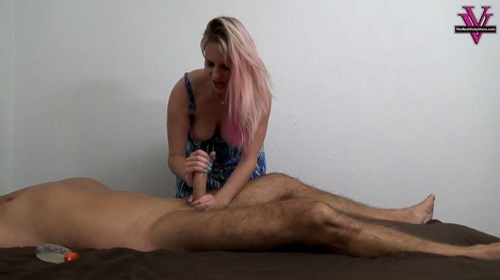 [Full HD] naughty vicky vixxx happy ending massage from vicky - Naughty Vicky Vixxx - Amateur | Oil, Handjobs - 676 MB