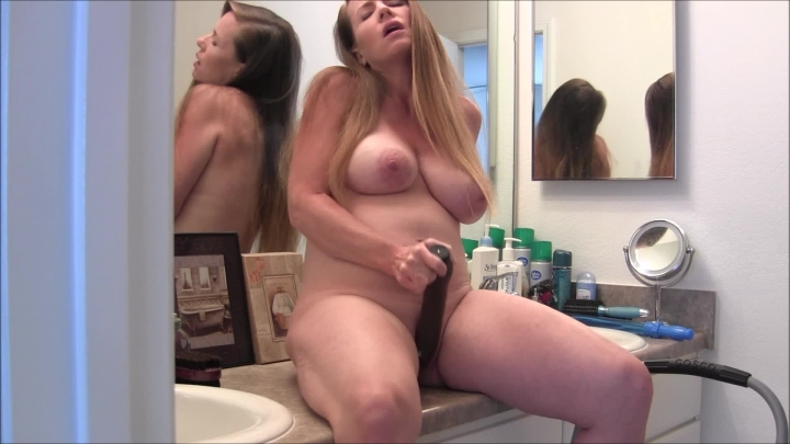 [Full HD] nikkinevada pregnant milf bathroom masturbation - NikkiNevada - Amateur | Masturbation, Milf - 987,6 MB