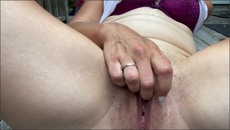 [Full HD] cumming on my porch   - Suzie Blue - -00:09:47   Public Masturbation, Verified Amateurs - 230,4 MB