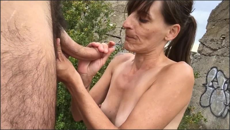 [Full HD] elle suce baise et avale dans un bunker allemand sex blowjob swallow public   - Xlolitax - -00:10:39   Public, Salope - 414,5 MB