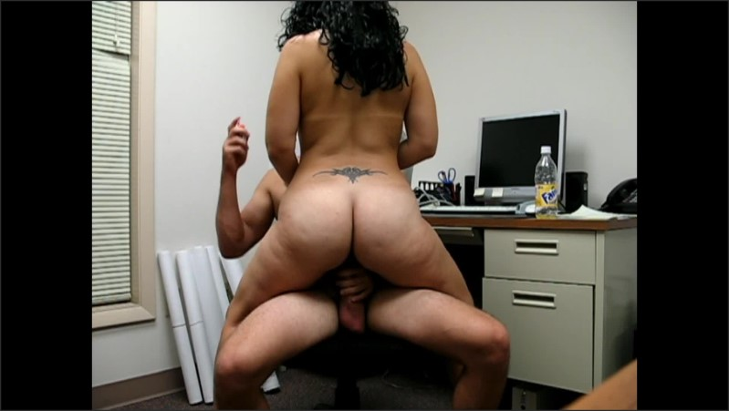 [Full HD] big booty hottie fucking riding boyfriend on a chair in his office   - smokinhotman - -00:06:35 | Riding, Big Ass - 234,4 MB