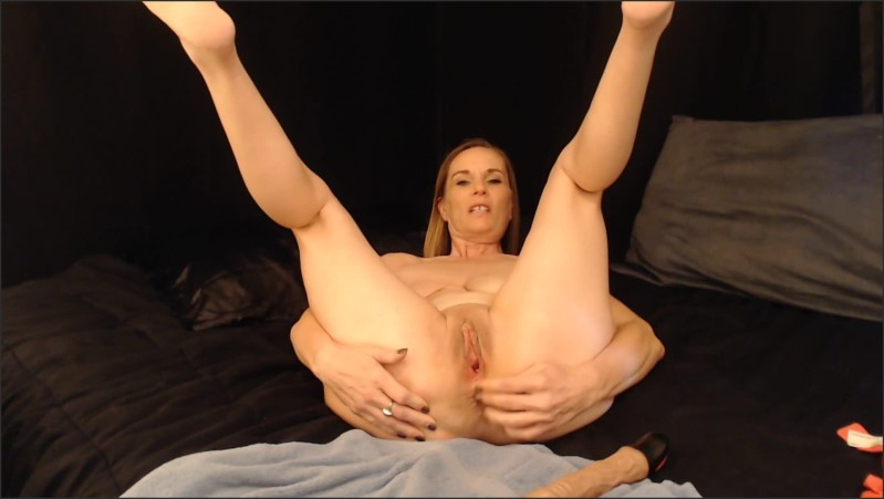 [Full HD] kinky milf stretches her cunt   - Kimithemilfmommy - -00:13:24 | Step Mom, Masturbate - 327,4 MB