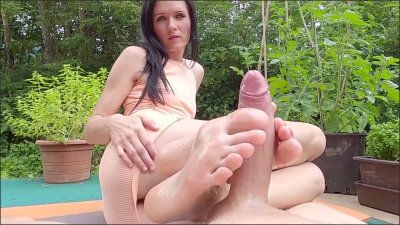 [] public extremely oily footjob seen by neighbors footjobs queen trailer   - FootjobsQueen - -00:09:11   Exclusive, Oily Footjob - 324,9 MB