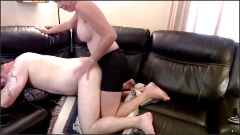 [HD] real amateur couple fast deep pegging fucking   - Injoybacon - -00:07:12 | Pegging His Ass, Wife Strapon Husband, Couch - 62 MB