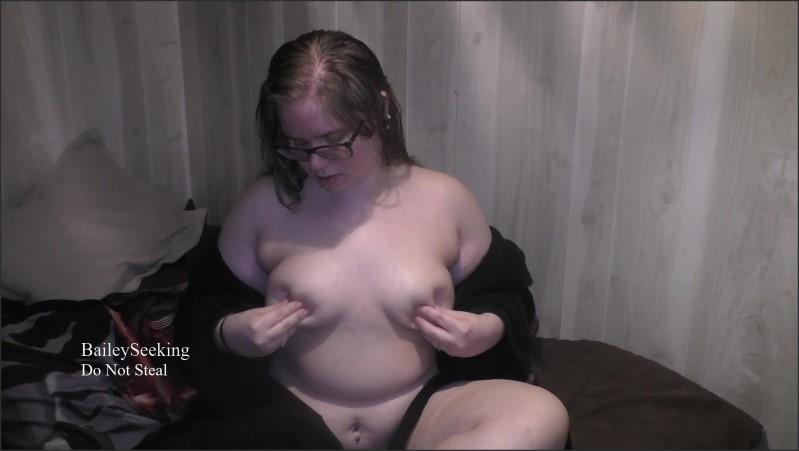 [Full HD] aftershower breast massage   - SeekingBailey - -00:07:05 | Chubby, Nerdy Girl Glasses - 187 MB
