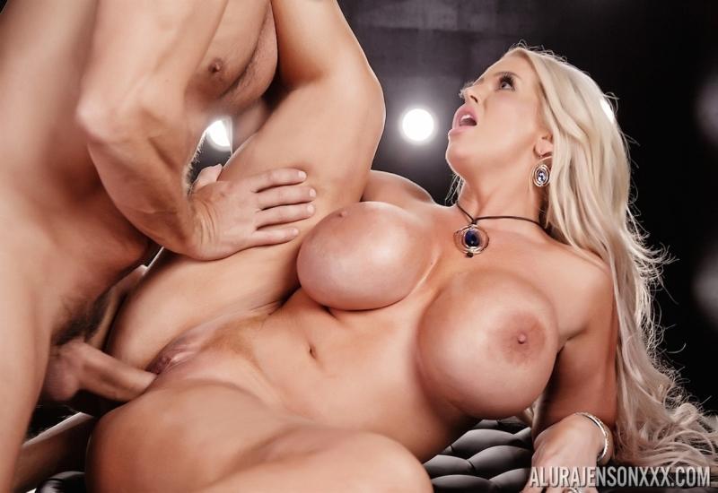 [Full HD] Alura Jenson - In Sex Ravaged By Ramon - Mix - SiteRip-00:20:28   Big Tits, Creampie, All Sex - 1,5 GB