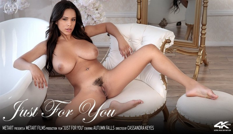 [4K Ultra HD] Autumn Falls - Falls For You - Autumn Falls - SiteRip-00:15:32 | Solo, Brunette, Bethroom - 2,2 GB