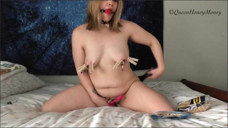 [Full HD] ballgagged slut spanks herself while riding dildo   - queenhoneymoney - -00:11:51 | Dildo Ride, Spanking - 577,2 MB