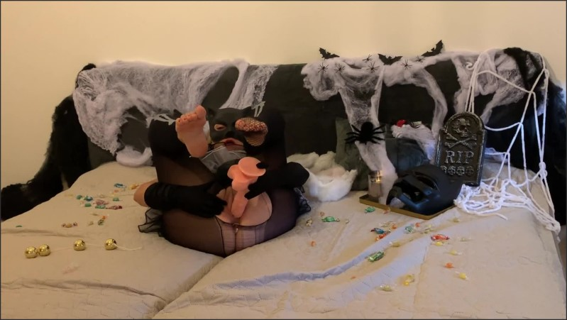 [Full HD] catwoman makes on halloween very hot self fuck with barefoot poses and all toys what she find home   - Catwomancat - -00:13:08 | Solo Female, Adult Toys, Big Anal Plug - 265,9 MB