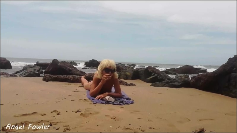 [Full HD] come to look how my blondy step mom smoking masturbating playing with feet on the beach   - Angel Dani Fowler - -00:12:36 | Young, Stepmom Stuck, Step Sister - 149,3 MB