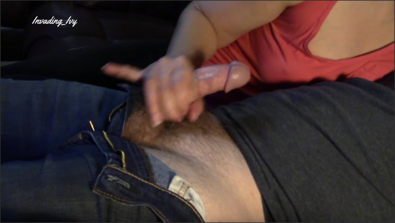[Full HD] fan request milf gives handjob while chilling on couch   - Invading Ivy - -00:08:46 | Exclusive, Brunette - 602 MB