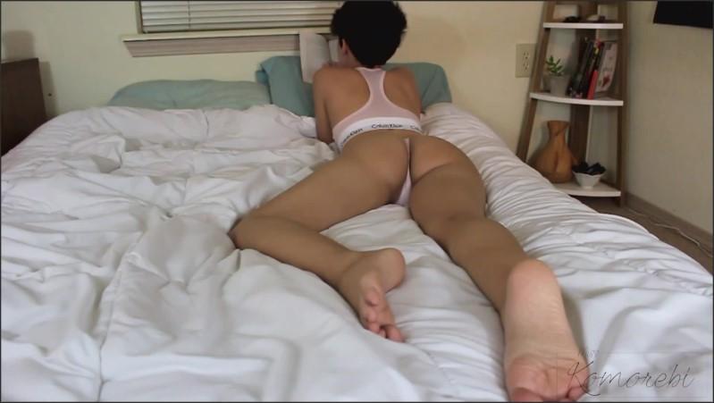 [Full HD] foot focused ignore   - MissKomo - -00:15:07   Teen, Amateur - 266,1 MB