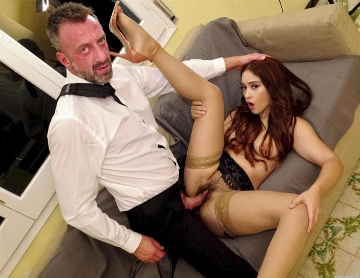 [HD] Ginebra Bellucci - Slammin That Jungle Muff - Ginebra Bellucci - SiteRip-00:39:01 | Blowjob, Cumshot - 705,7 MB