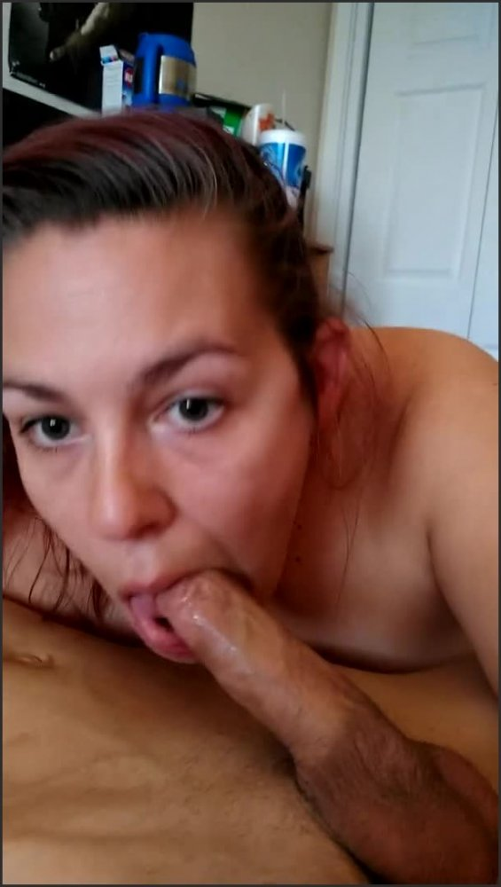 [SD] giving the hubby that good head for that big load at the end jkgoofs   - Jkgoofs - -00:08:36   Amateur Couple, Pov, Amateur - 122,7 MB