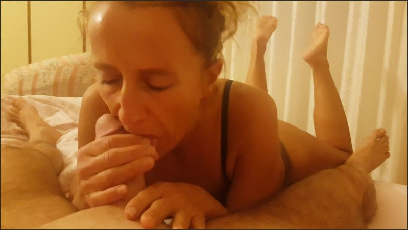 [Full HD] pov blowjob with feet showing   - Dany Ale - -00:11:46 | Romantic, Blowjob - 152,3 MB