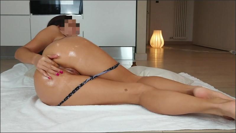 [Full HD] ragazza amatoriale italiana si riempie d olio e si penetra il culo e la figa fino all orgasmo   - Francy Rossi - -00:11:49   Oiled Ass, Solo Female - 272,1 MB