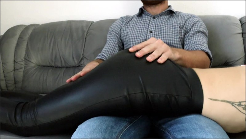 [Full HD] sexy wife in leather pants spanked   - NickiBlack - -00:06:17 | Leather Leggings, Bondage, Amateur - 164,7 MB