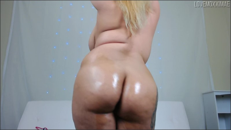 [Full HD] tiny bikini striptease and oily twerk   - Moxxi Mae - -00:06:56 | Big Oily Ass, Chubby - 287,6 MB